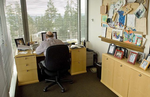 Workplaces of the World's Most Famous Technology CEOs