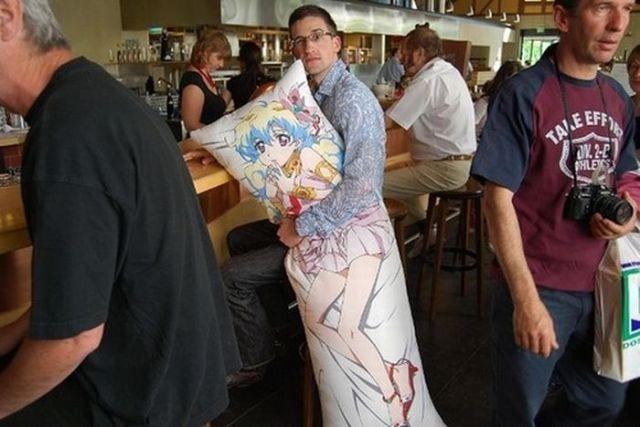 Huge Pillows for Hugs from Japan