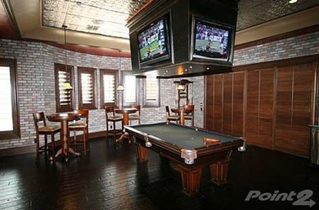 Man Cave Ideas Every Guy Will Like 20 Pics Picture 15