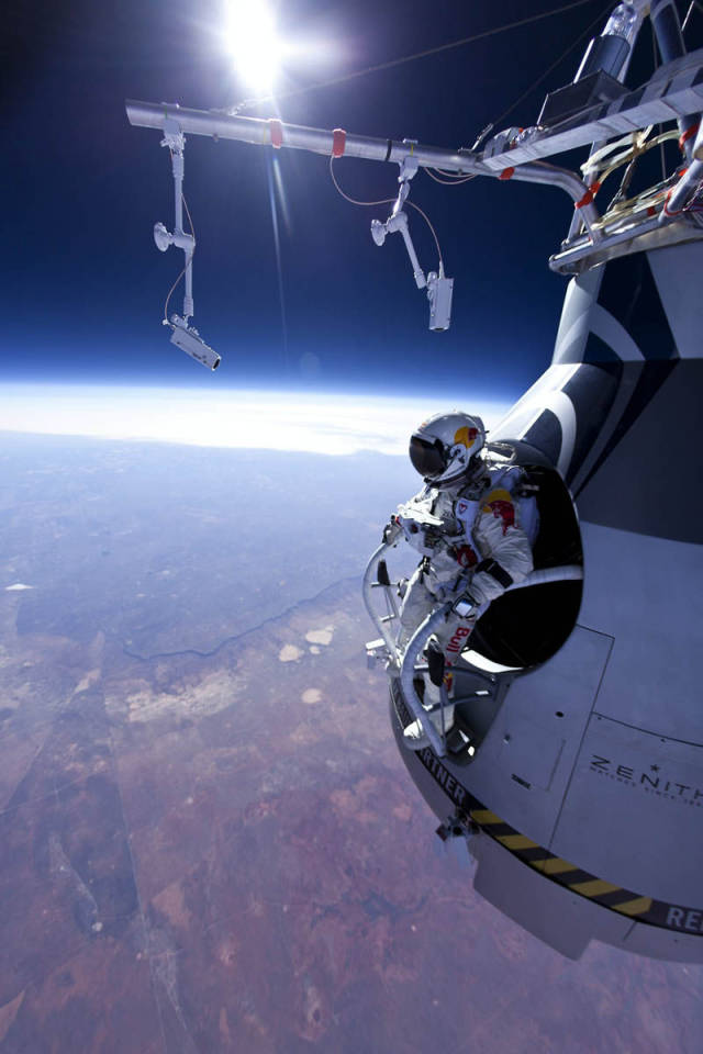 2012's Most Spine Tingling Photos, So Far