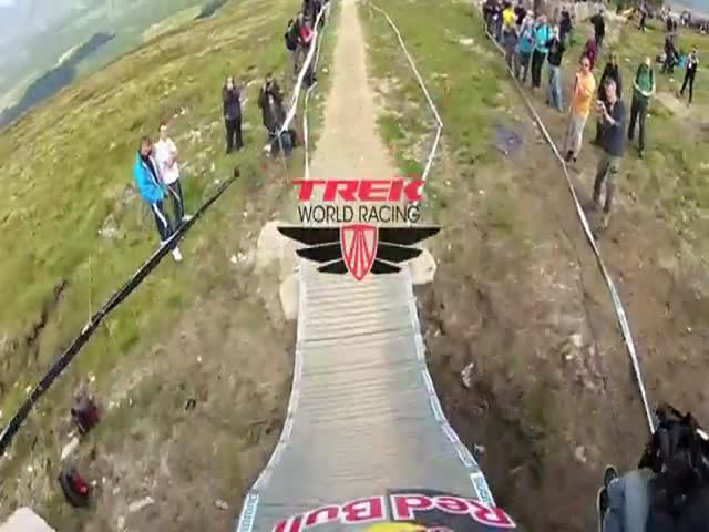 Crazy Downhill Racing