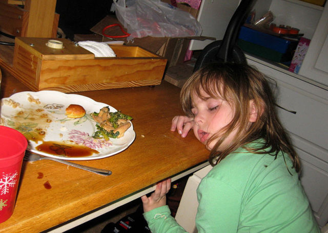 Funny Kids Drop Off in the Middle of their Meal