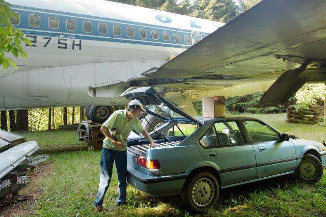 Девушка и самолет открытки