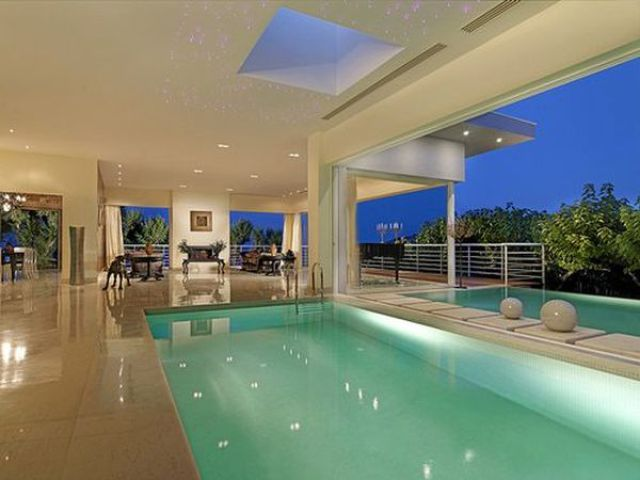 Swimming Pools Meant to Astonish