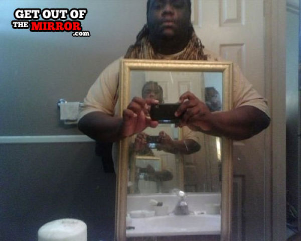 People Who Should Stop Taking Mirror Pics