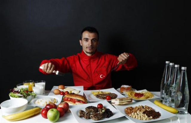 Athletes Show Their Olympic Diet