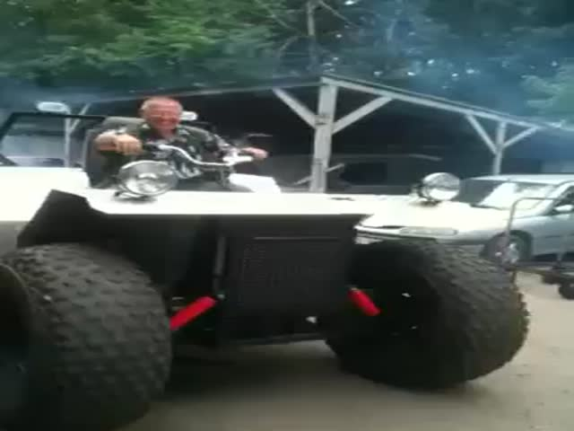 Huge Homebuilt Quad-like Vehicle Epic Fail