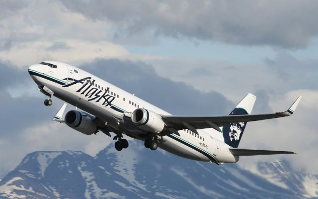 Shocking Experience on Alaska Airlines Plane
