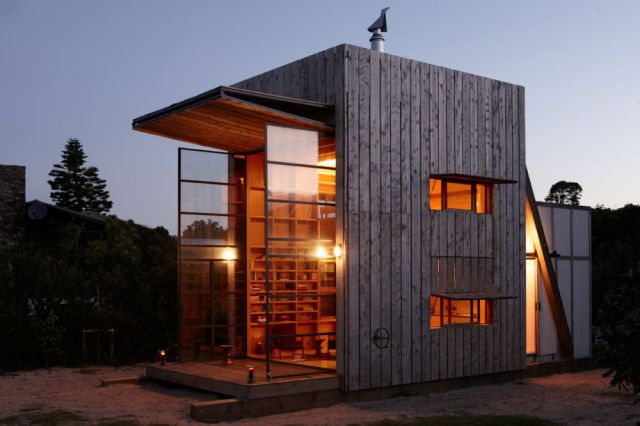 Smart and Elegant Movable Beach Hut
