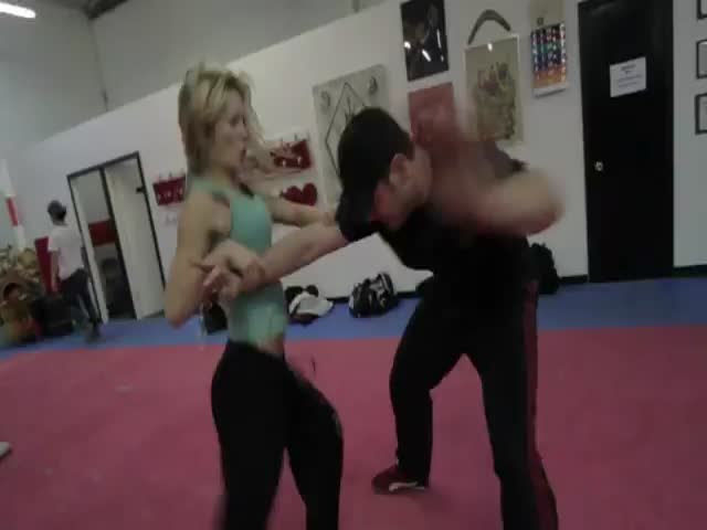 Don't Mess with This Girl, She Can Clearly Kick Your Ass!