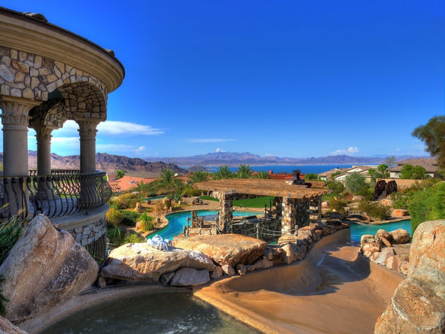 Astonishing Mansion in Nevada