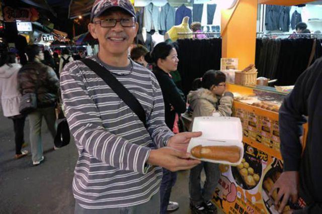 Bizarre Taiwan Corn Dogs