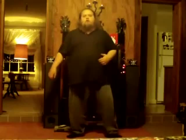 Fat Guy Shows Incredible Martial Art Move