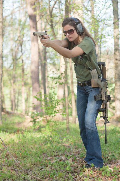 Girls And Guns The Perfect Match 45 Pics Izismile Com
