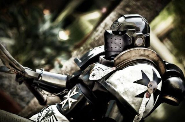 Amazing Warhammer 40k Cosplay Suit