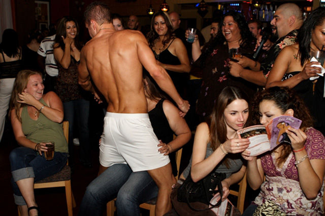 how to dance in a nightclub for guys