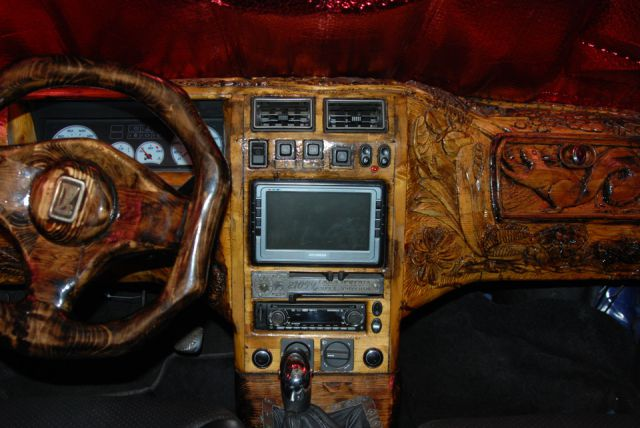 DIY  Lada Dashboard Customization