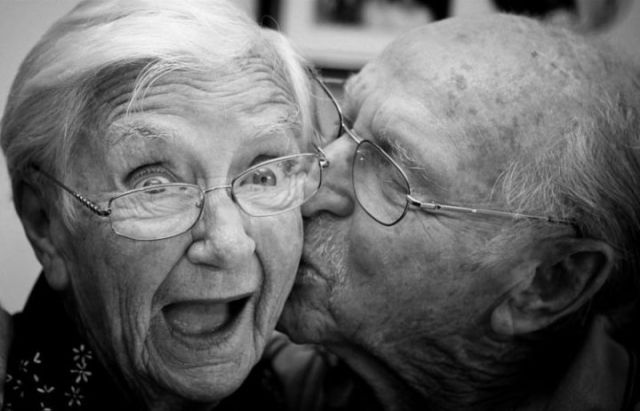 old_couples_in_love_are_so_cute_640_01.jpg
