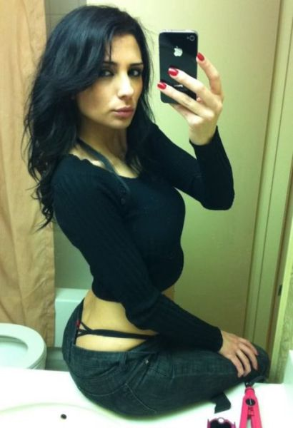Sizzling Hot Self-Taken Mirror Pics