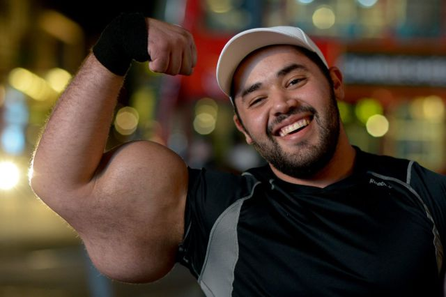 Egyptian Bodybuilder Has the Biggest Biceps in the World