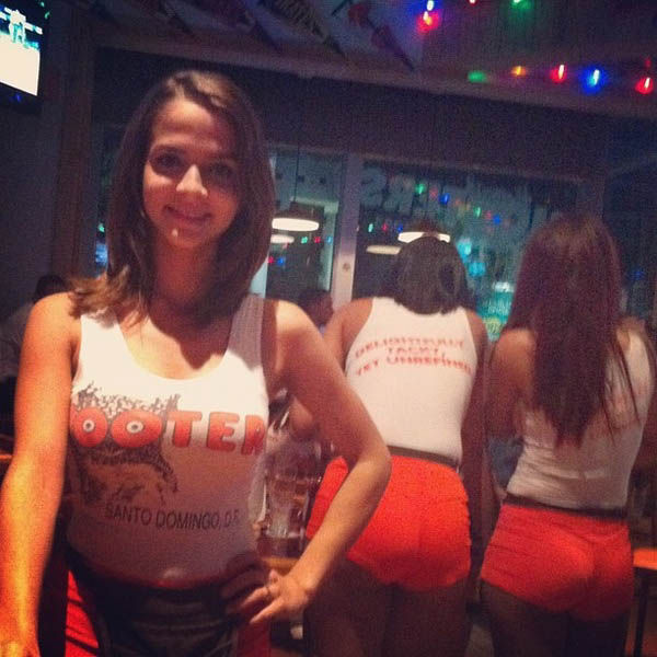Instagram Pictures of Hooters Chicks