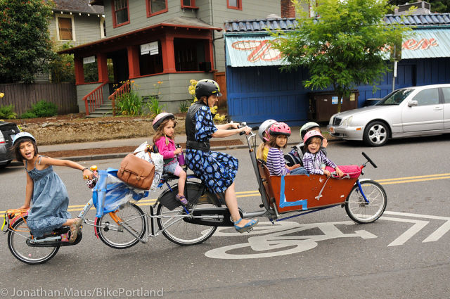 Mom Takes All Her Six Kids to School on a Bike