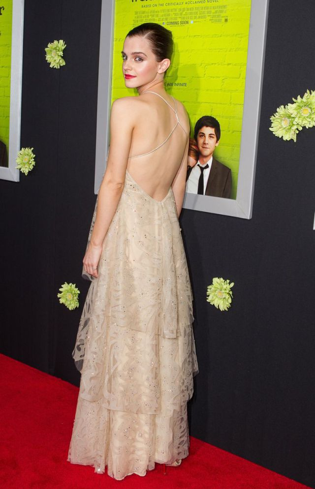 Yet Another Emma Watson's Wardrobe Malfunction