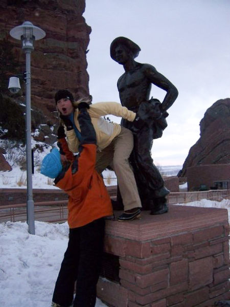 WTF Statue Pawing Pics