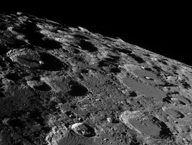 Fantastic Images of Moon Taken from Earth