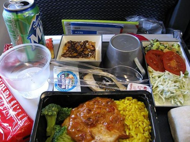 In-Flight Meals of Different Airlines