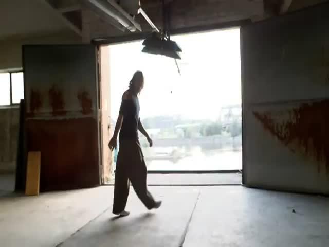 Awesome Human-Powered Freerunning Rude Goldberg-like Machine