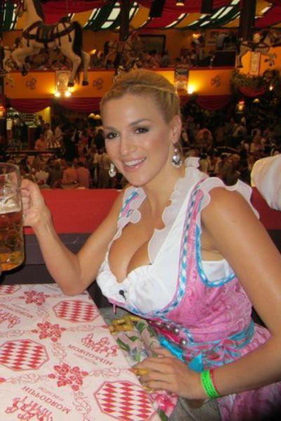 Bosomy Blonde, Jordan Carver, at Oktoberfest