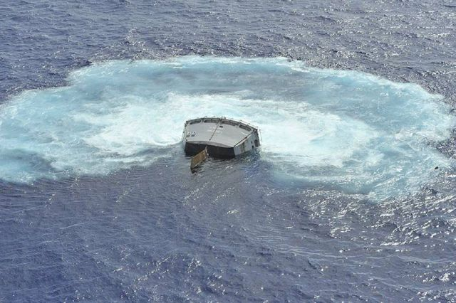 Great Pics of American Ship Sunk At Sea