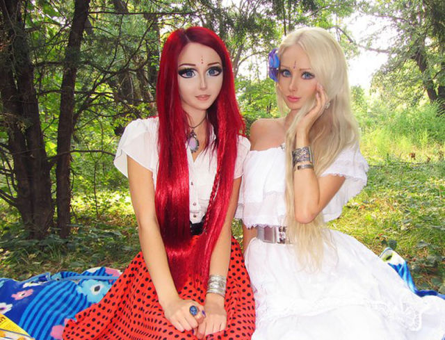 Human Dolls Appear Together
