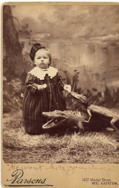 """Black and White Pics That Will Make You Say, """"WTF?"""""""