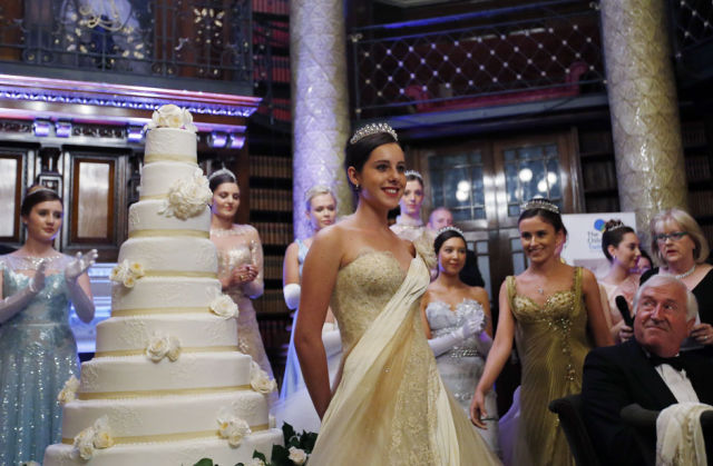 "UK ""Debutante Ball"" Puts Wealthy Bachelorettes on Display"
