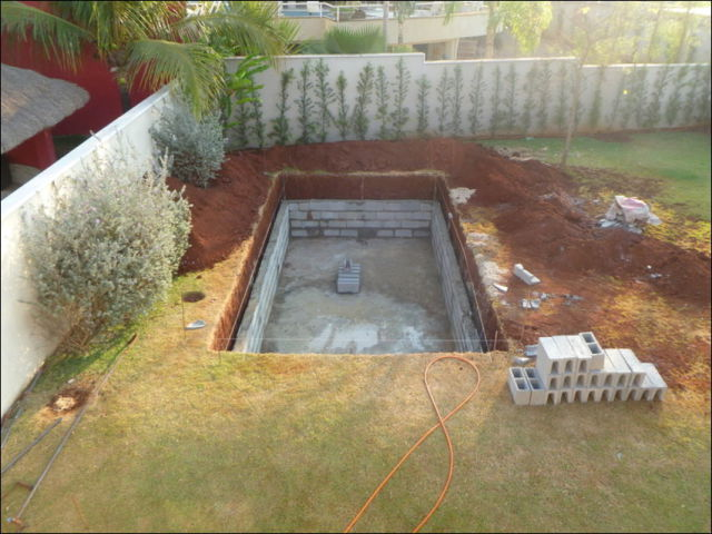 Diy swimming pool conversion 26 pics for Build my pool