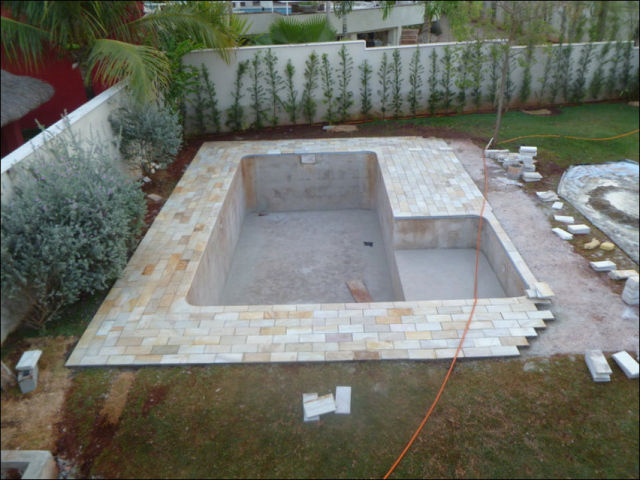 Diy swimming pool conversion 26 pics picture 23 for Swimming pool conversion
