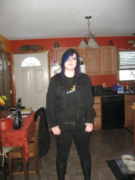 Gothic Girl Goes From 255lbs to 135lbs: See Her Transformation
