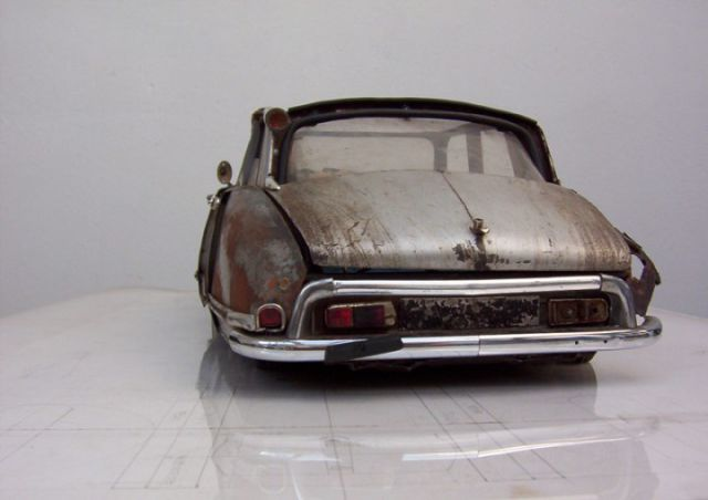 Amazing Vintage Models Made from Trash!