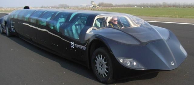 """A Revolutionary New Mode of Transport: The """"Superbus"""""""