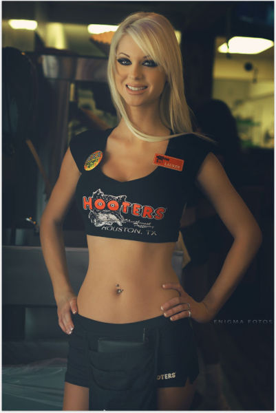 We Never Get Tired of Hooters Girls!