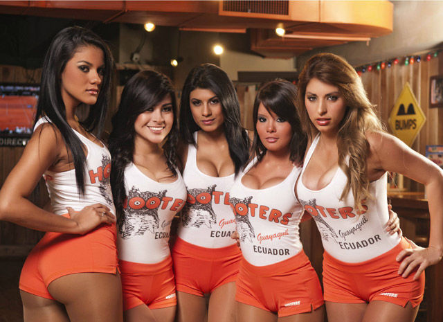 We Never Get Tired Of Hooters Girls 31 Pics Picture 9 Izismile Com