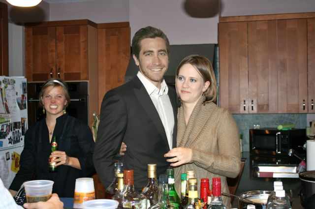 Photoshop Brings Celebs to Holiday Party. Part 2