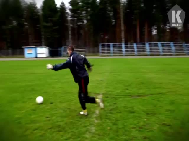Funny Finnish Goalkeeper's Incredible Trick Shots