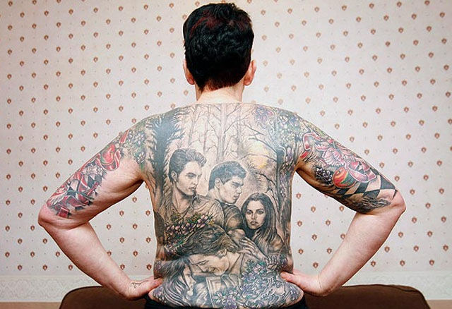 Passionate Twilight Fan Pays Tribute to the Film's Stars