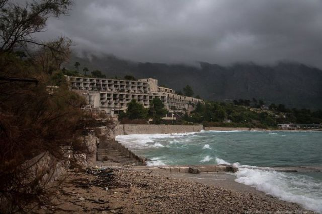 Would You Believe This Used to Be A Luxury Resort?
