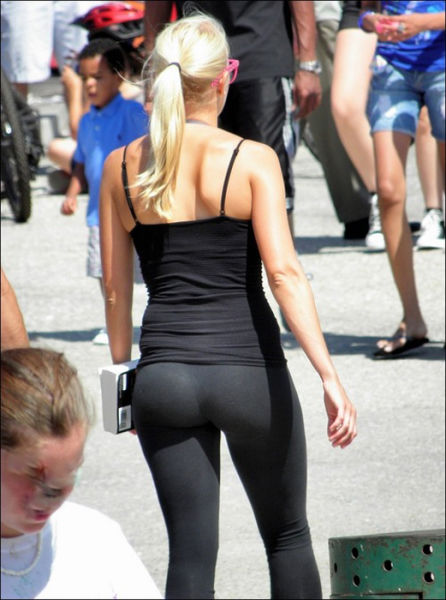 What S Not To Love About Yoga Pants Part 2 47 Pics