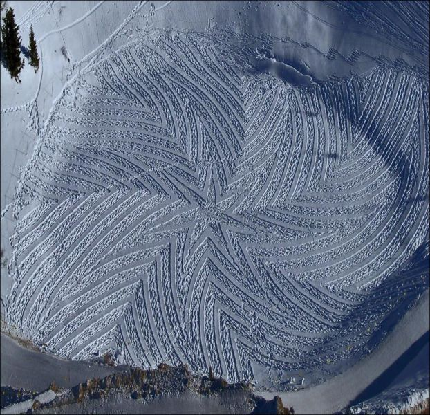 Clever and Unusual Snow Paintings