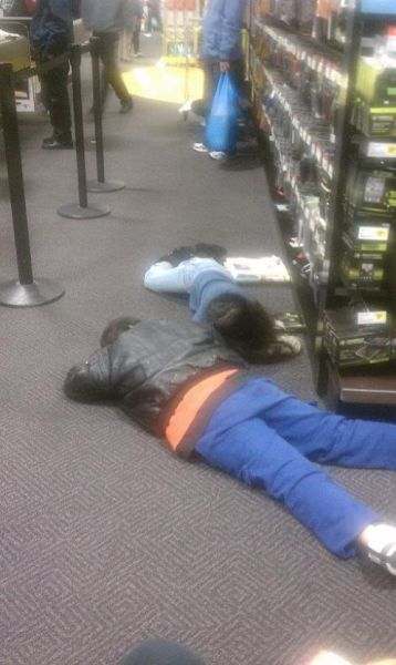 Black Friday: The Day Americans Go Crazy!